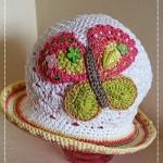 Motýlkový klobouček