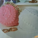 Dva kloboučky s pecičkami