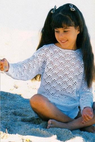 d03e6593618 Dívčí krajkové bavlněné tričko. Návod na dívčí háčkovaný pulovr triko pro  velikosti 110 116