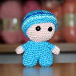 Mini panenka s velkou hlavičkou