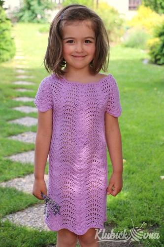 d05c029bfe8f Dětské háčkované vlnkované šatičky. Návod (podrobný a s fotodokumentací) na háčkované  šaty pro dětskou velikost 110 (cca na 5 let).