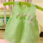 Zelené šatičky s kytičkami