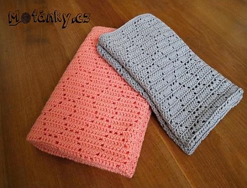 78f298912 Srdíčková deka pro nové miminko. Návod na háčkovanou deku celkových rozměrů  cca 70×90 cm. Růžový model je háčkovaný. Přízí Baby Best (zn. Alize) háčkem  č.